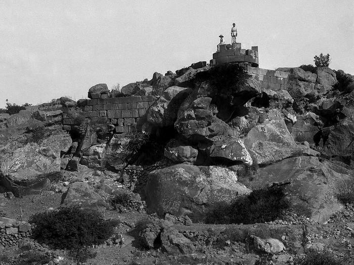 Foto aus der Zeit, in der Michael Deffner die Halbinsel Methana erkundete. Foto: Prof. Veloudios ca. 1908, DAI