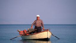 Fischer vor der Küste bei Vathy. (c) Tobias Schorr 1992