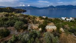 Luftbild der antiken Akropolis Paliokastro bei Vathy. (c) Tobias Schorr 2016