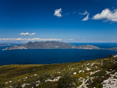 The Methana peninsula offers the experience of 60 km of hiking trails! (c) Tobias Schorr