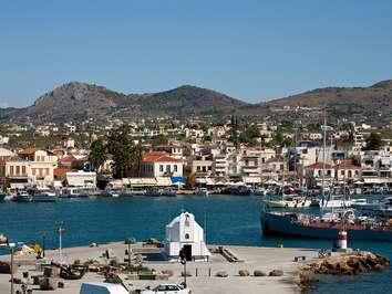 Der Hafen der Insel Ägina