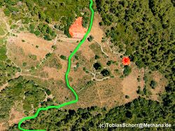 Aerial photo with the green hiking route and the archaeological sites. (c) Tobias Schorr