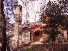 Die Kirche Agii Anargyrii in Methana-Stadt. (c) Tobias Schorr 1991