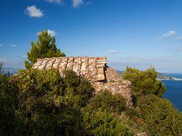 Die uralte, byzantinische Kapelle Agios Dimitrios ist eine der ältesten und am besten erhaltenen religiösen Bauen aus der Zeit um 1200. (c) Tobias Schorr