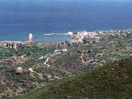 Blick auf Agios Georgios aus den Bergen. Foto ca. 1990