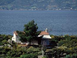 Die Kapelle Agios Spyridonos oberhalb von Vathy. (c) Tobias Schorr 1991