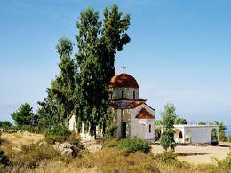 Die Kirche Agia Barbara ist die bekannteste Kirche Methanas. (c) Tobias Schorr