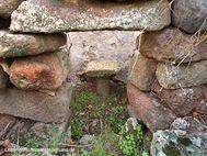 Blick in die Reste einer Kapelle bei der Akropolis (c) Tobias Schorr