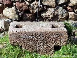 Part of an ancient vine press on the acropolis Oga. (c) Tobias Schorr