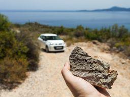Ελαφροπέτρα από την περιοχή του ηφαιστείου Κοσσώνα. (c) Tobias Schorr