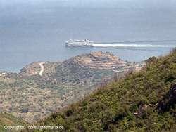 View towards the acropolis Oga from the mountains. (c) Tobias Schorr 1990
