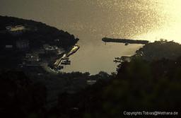 Vathy aus den Bergen bei Sonnenuntergang gesehen