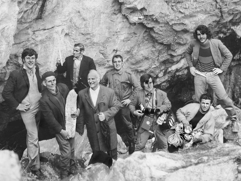 Methaner, die 1974 die Höhle vor der Zerstörung retteten. Fotograf: unbekannt!