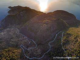 Εναέρια φωτογραφία του ιστορικού ηφαιστείου στην Καμένη Χώρα. (c) Τωβίας Σώρρος