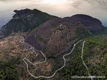 Luftbild des Vulkans von Kameni Chora (c)Tobias Schorr