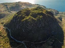 Μία από τις καλύτερες εναέριες φωτογραφίες του ηφαιστείου Κοσσώνα. Ιούνιος 2016. (c) Tobias Schorr