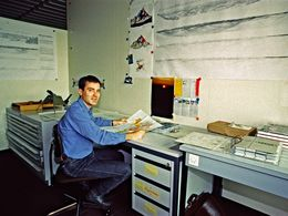 Dr. Lorenz Hurni in his office in the university ETH-Zurich. (c) Tobias Schorr