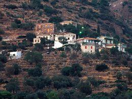 The village of Megalopotami. (c) Tobias Schorr