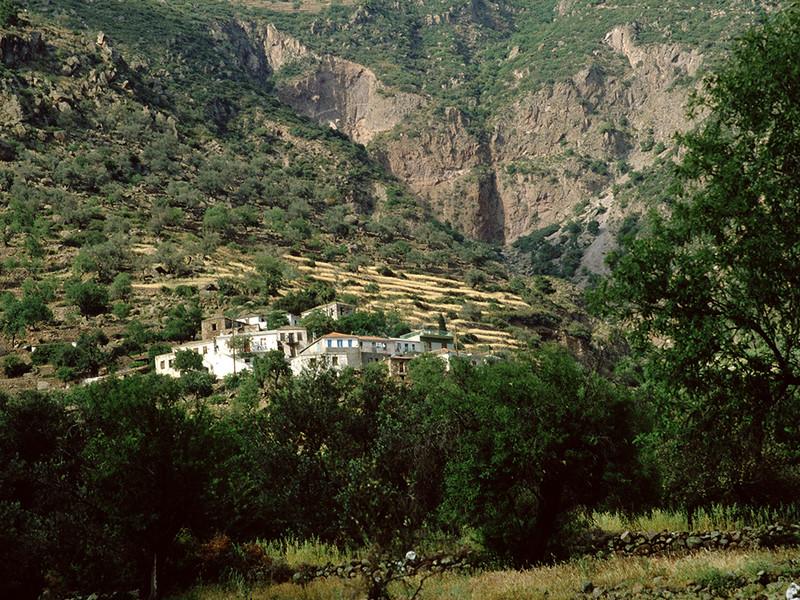An old photo of the village Megalopotami. (c) Tobias Schorr 1986