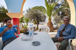 Spyros Papioannou und Andreas Deffner beim Gespräch über die Heilbäder. (c) Tobias Schorr