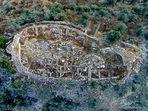 Die Grundrisse von Gebäuden auf der Akropolis Maghoula bei Galata. (c) Tobias Schorr