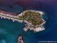 Das Inselchen Nisaki in Methana (c) Tobias Schorr