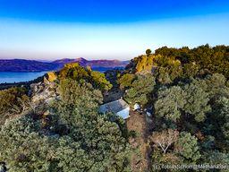 Um die Kapelle Profitis Ilias herum befand sich eine Siedlung aus dem Mittelalter, in de rman sich vor Seeräubern schützte. (c) Tobias Schorr