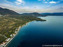 Blick nach Süden über die Küste bei Vathy/Methana. (c) Tobias Schorr