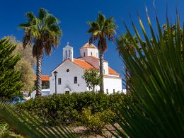 The church of Agios Georgios in the fishing port of the same name. (c) Tobias Schorr