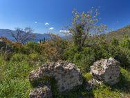 Ziegelmauerwerk eines römischen Gebäudes östlich der Akropolis Paliokastro (c) Tobias Schorr