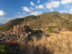 The plateau of the ancient acropolis Oga. (c) Tobias Schorr 2014