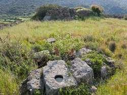 Antike Reste auf der Akropolis Oga