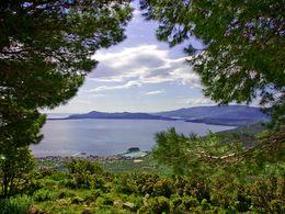 Von der Kapelle Agios Panteleimonas hat man einen herrlichen Ausblick auf den Saronischen Golf und Methana
