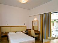 Zimmer im Hotel Saronis