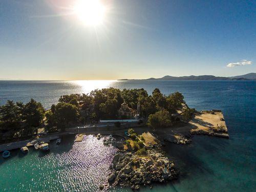 Die kleine Insel Nisaki