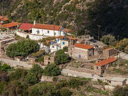 Blick auf das Dorf Kato Mouska / Palia Loutra (c) Tobias Schorr