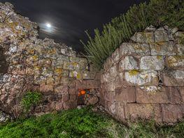 Das Eingangstor der Akropolis bei Nacht (c) Tobias Schorr