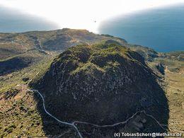 Εναέρια φωτογραφία του ηφαιστείου Μόκρισα. (c) Tobias Schorr