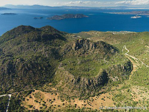 Luftbild der Spalteneruption des Vulkans Rethi im Norden der Halbinsel Methana aus dem Juni 2016. (c) Tobias Schorr