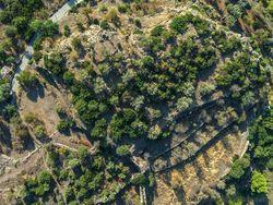 Luftaufnahme der Akropolis Paliokastro bei Vathy/Methana