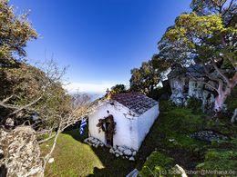 Die Kapelle am Gipfel Profitis Ilias von Pano Mouska. (c) Tobias Schorr