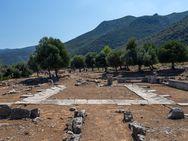 Besuch der Heimatstadt des mythischen Helden Theseus, Troizen.