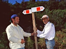 Greek & Albanian friends working on the hiking paths in 2002 (c) Tobias Schorr