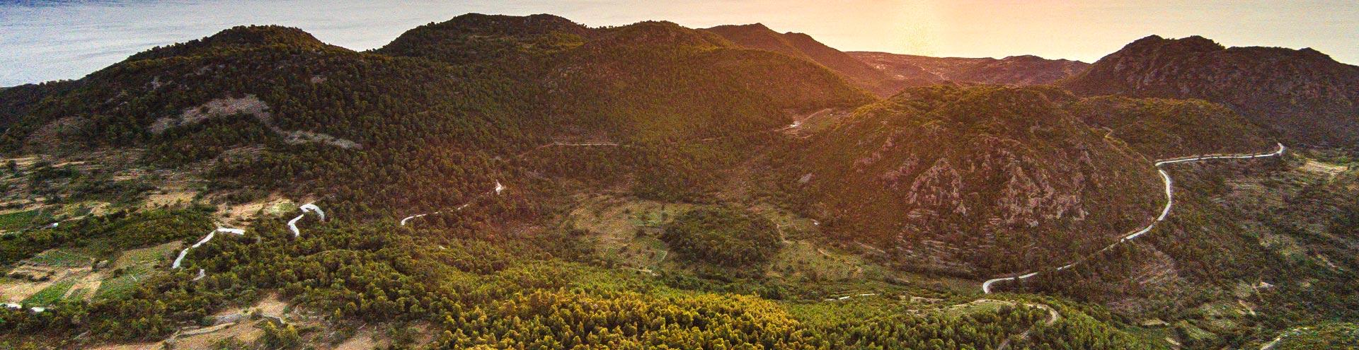 Der Vulkan Stavrolongos auf Methana